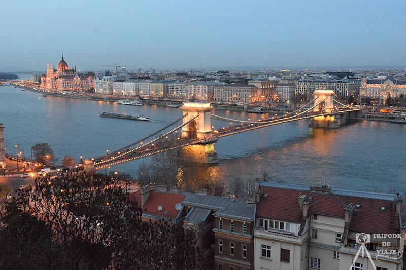 Fotografía del Puente de las Cadenas desde el Castillo de Buda, otra de las mejores fotos de Budapest.