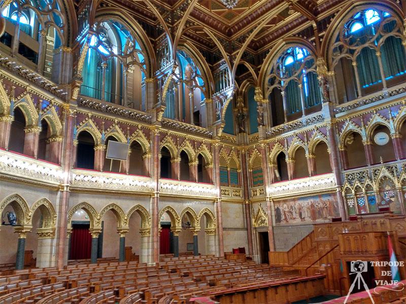 Vistas del parlamento por dentro. 40 cosas que ver y hacer en Budapest.