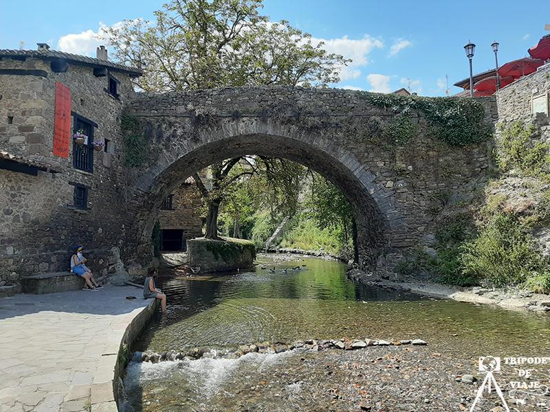 Puente de San Cayetano en Potes. Uno de los pueblos más bonitos de Cantabria.