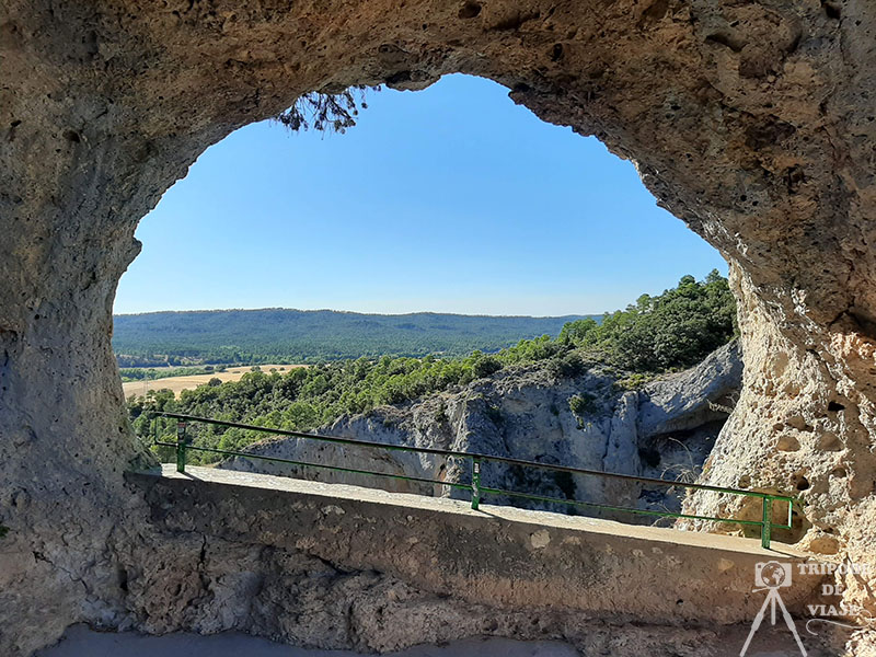 Vistas de la serranía de Cuenca desde el Ventano del Diablo.