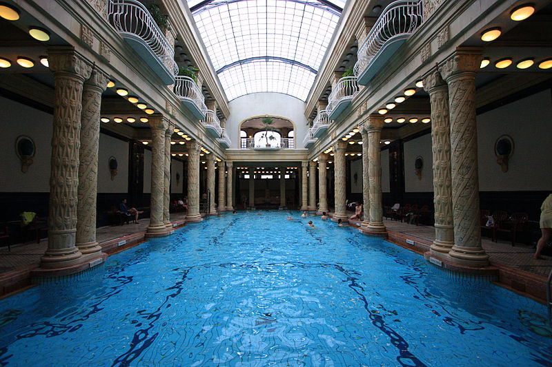 Balneario de Gellért, uno de los 10 imprescindibles que ver en Budapest.