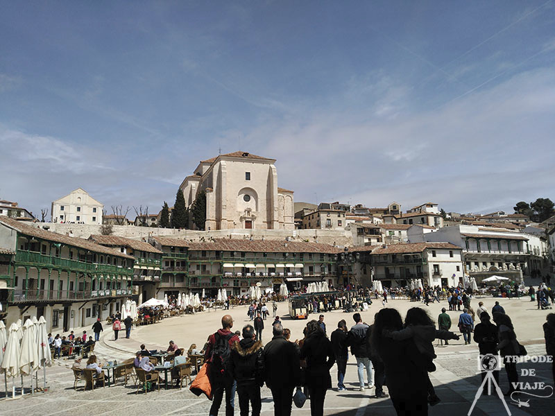 Plaza Mayor de Chinchón, uno de los pueblos bonitos de Madrid.