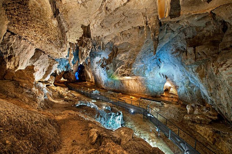 Cueva de Cullalvera.