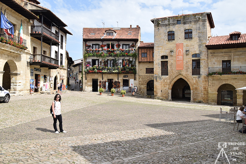 Plaza Mayor de Santillana del Mar. Uno de los pueblos más bonitos de Cantabria.