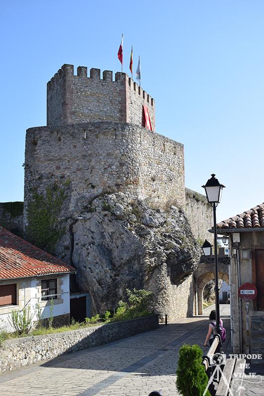 Castillo de San Vicente de la Barquera.