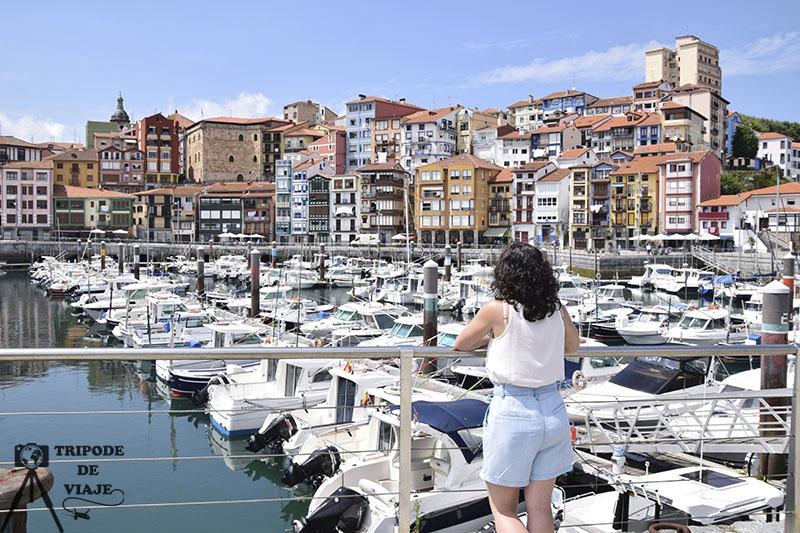 Vistas de Lekeitio desde el puerto pesquero. Los pueblos más bonitos de País Vasco.