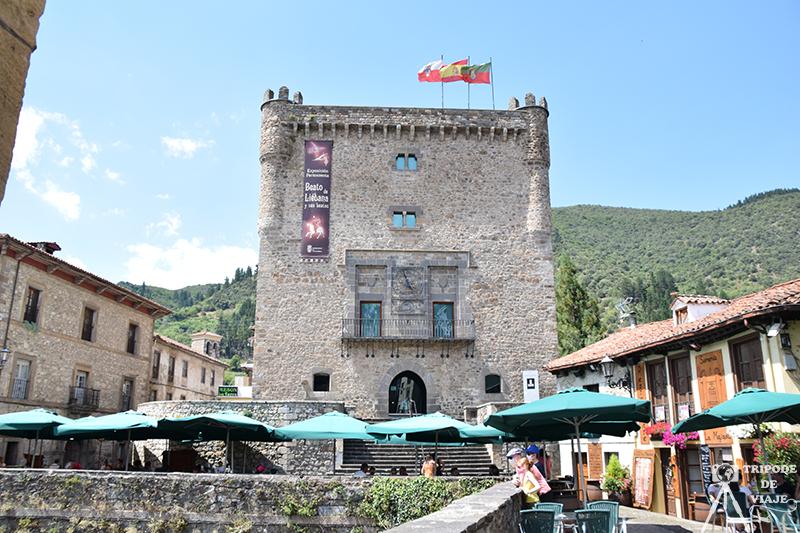 Vistas del Castillo de Potes.