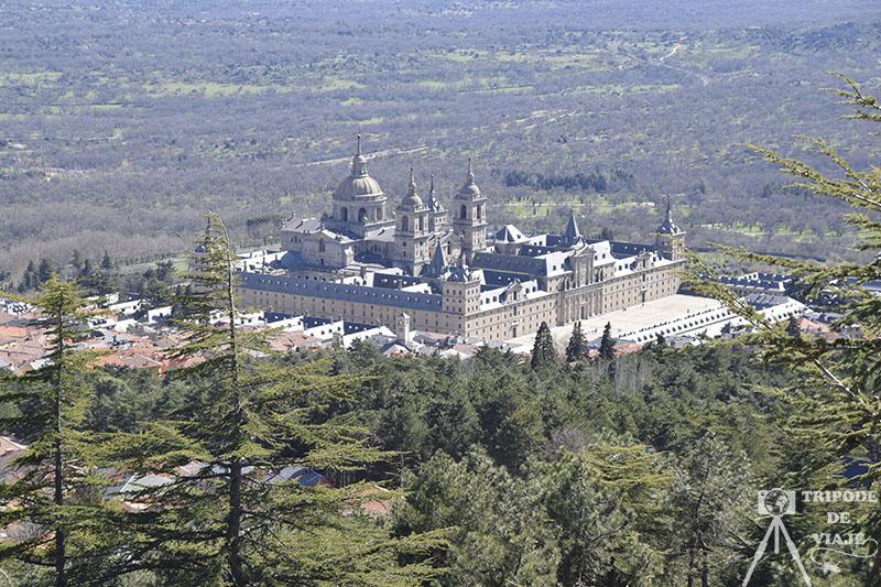Vistas del Escorial desde el Monte Abantos.