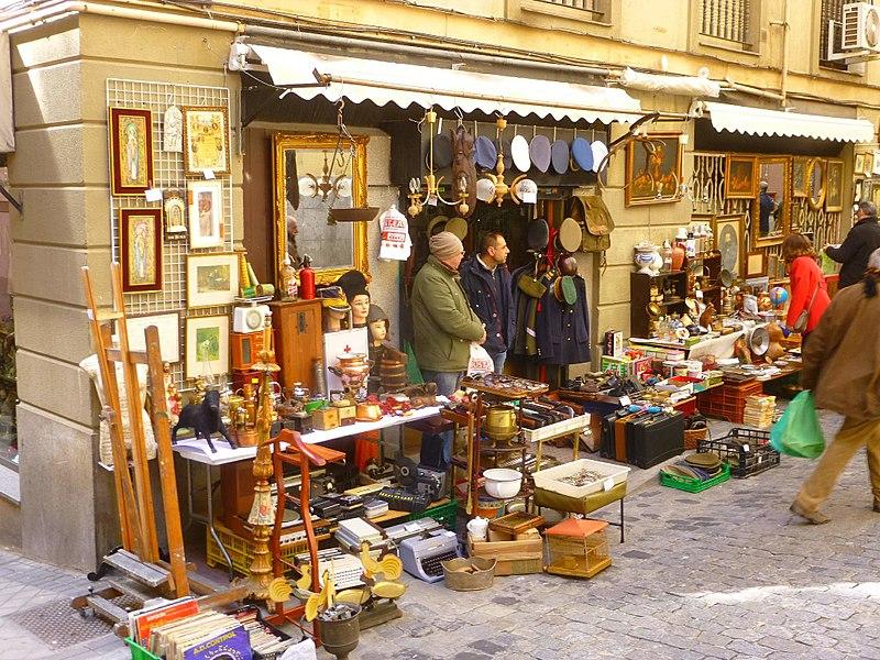 Mercado del Rastro en Madrid, uno de los 12 planes que hacer en Madrid.