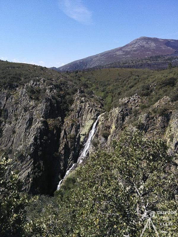 Cascada de la Cervigona, una de las cascadas del norte de Extremadura.