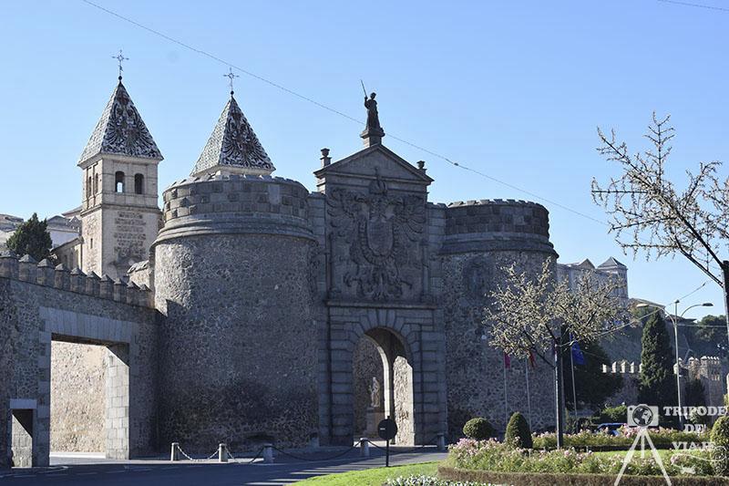 Puerta de Bisagra, uno de los 15 imprescindibles que ver en Toledo