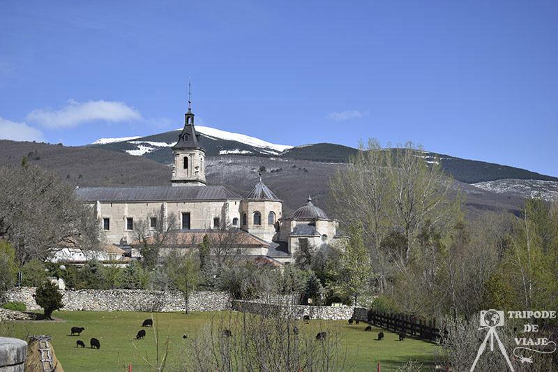 Monasterio del Paular en Rascafría, uno de los pueblos bonitos de Madrid.