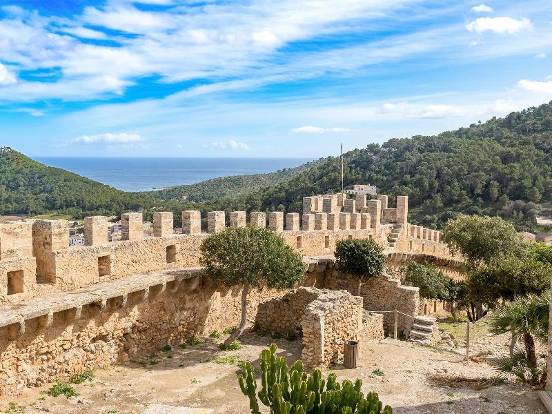 Castillo de Capdepera, una de las 40 cosas que ver y hacer en Mallorca