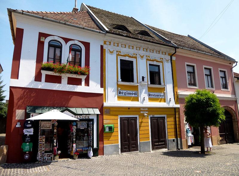 Casas coloridas en Szentendre.