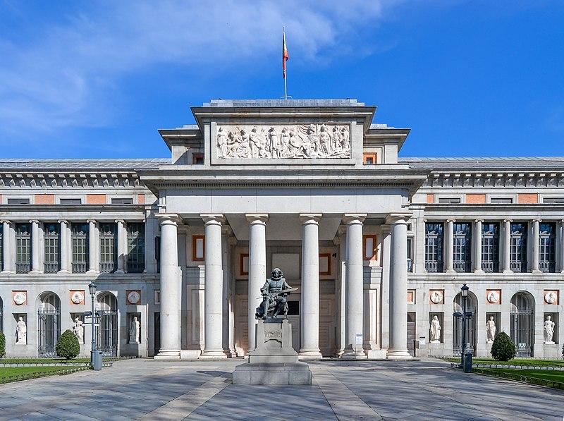 Fachada de Museo del Prado en Madrid.
