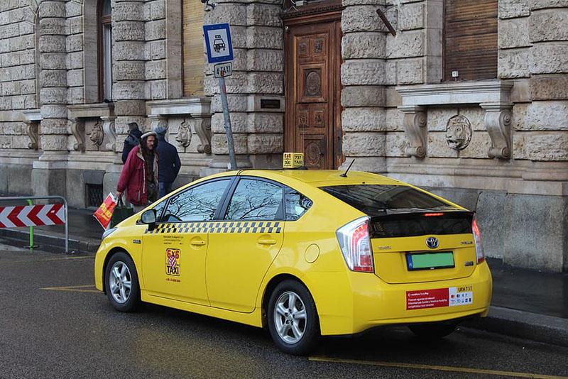 Taxi de Budapest, otra opción para llegar del aeropuerto al centro de Budapest.